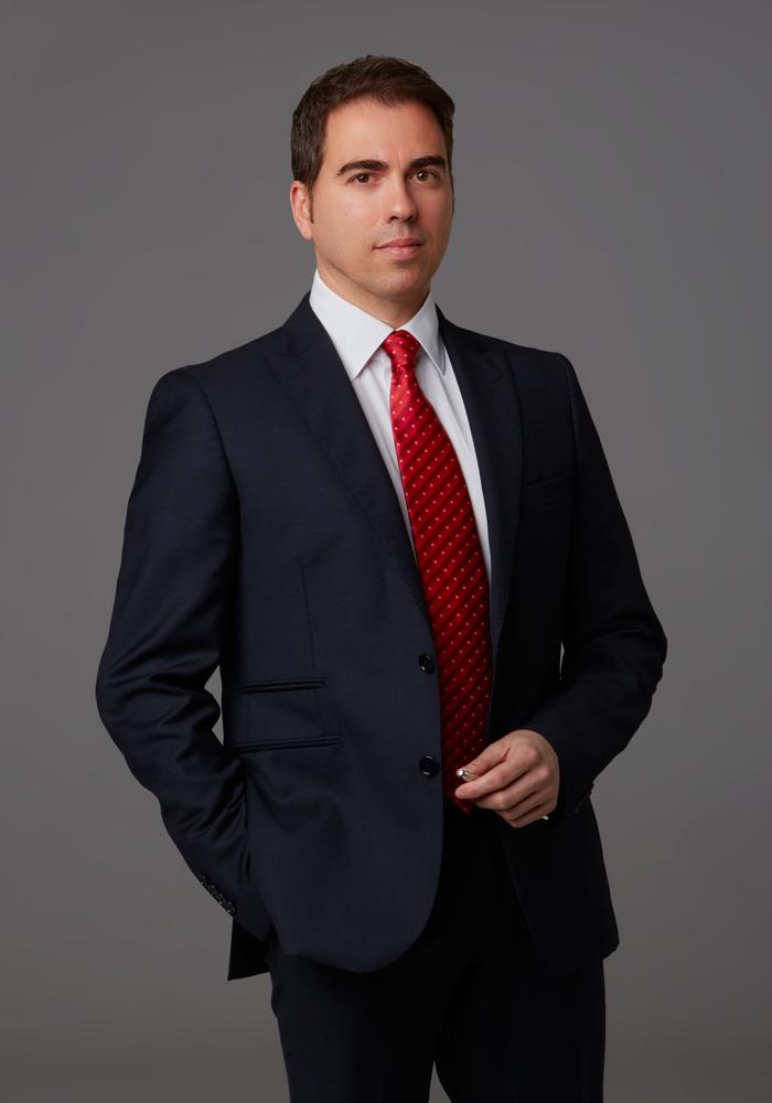 Dr. Ghinelli Direttore scientifico microchirurgia oculare